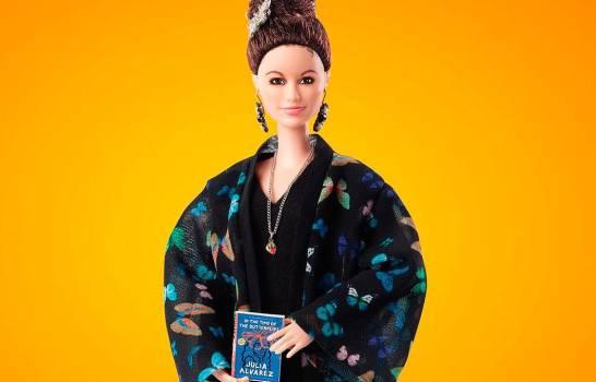 Barbie homenajea a activista dominicana Julia Álvarez con su propia muñeca